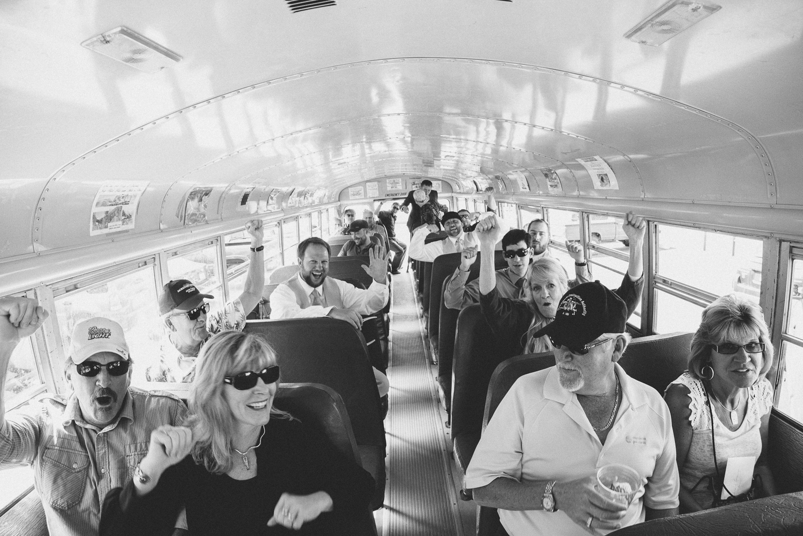044-wedding-party-bus-fun-photography