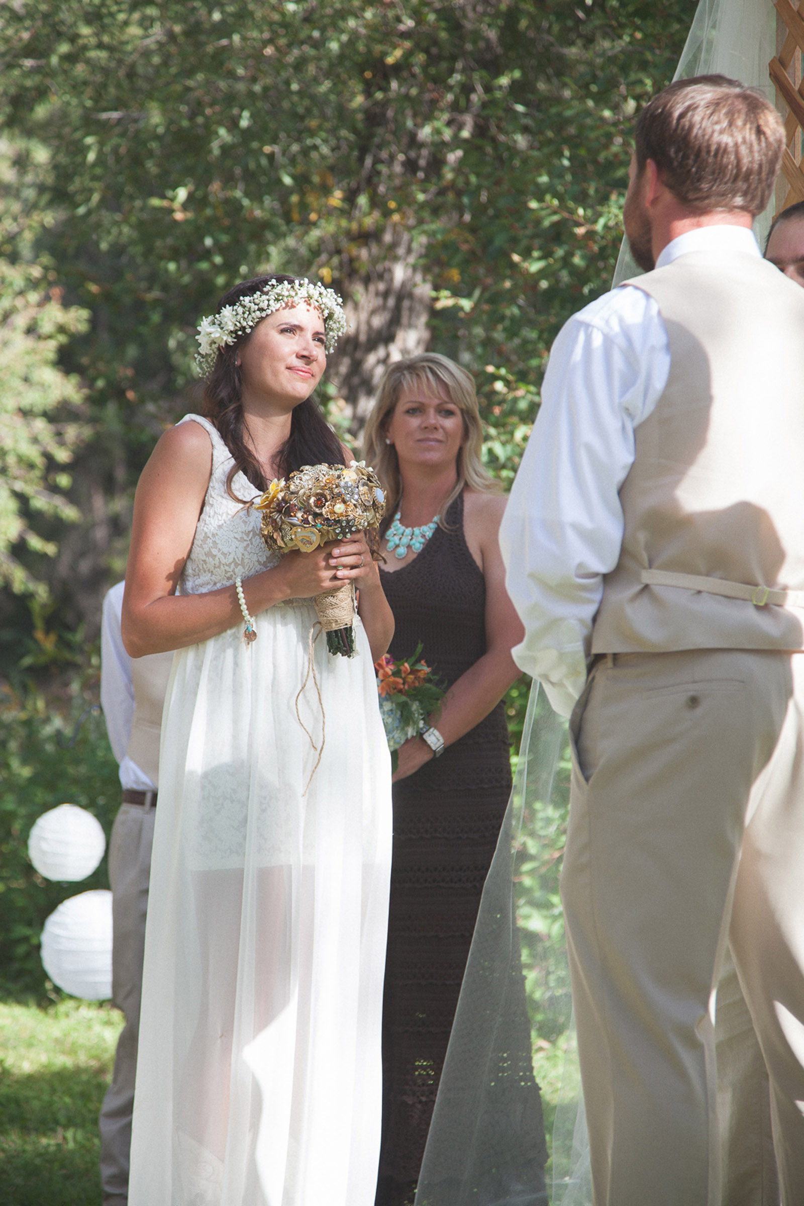 072-wedding-party-bus-fun-photography-ceremony