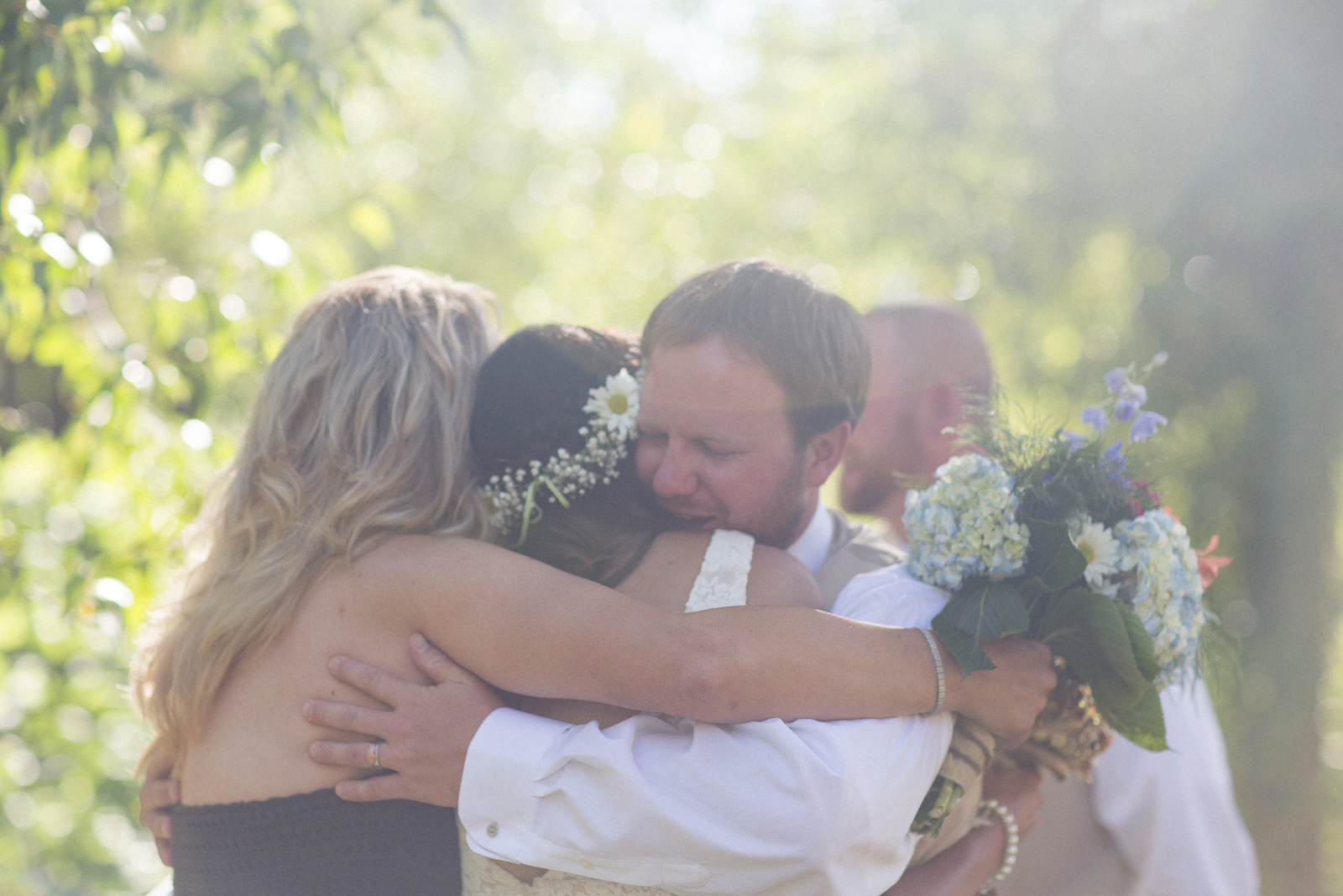 090-wedding-party-bus-fun-photography-ceremony