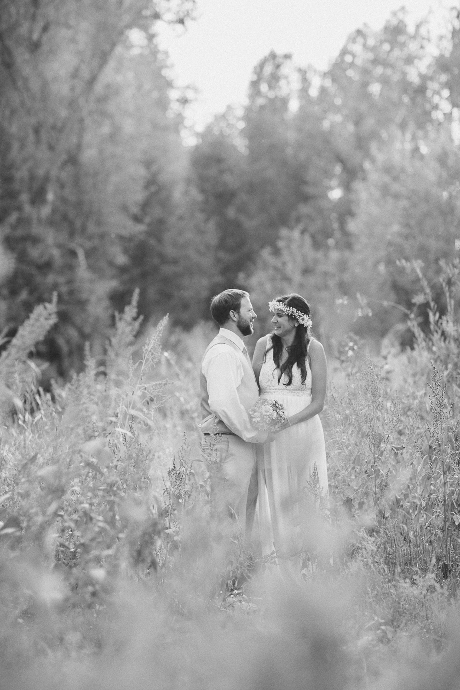115-wedding-fun-photography-bride-groom-unique-nature-trees