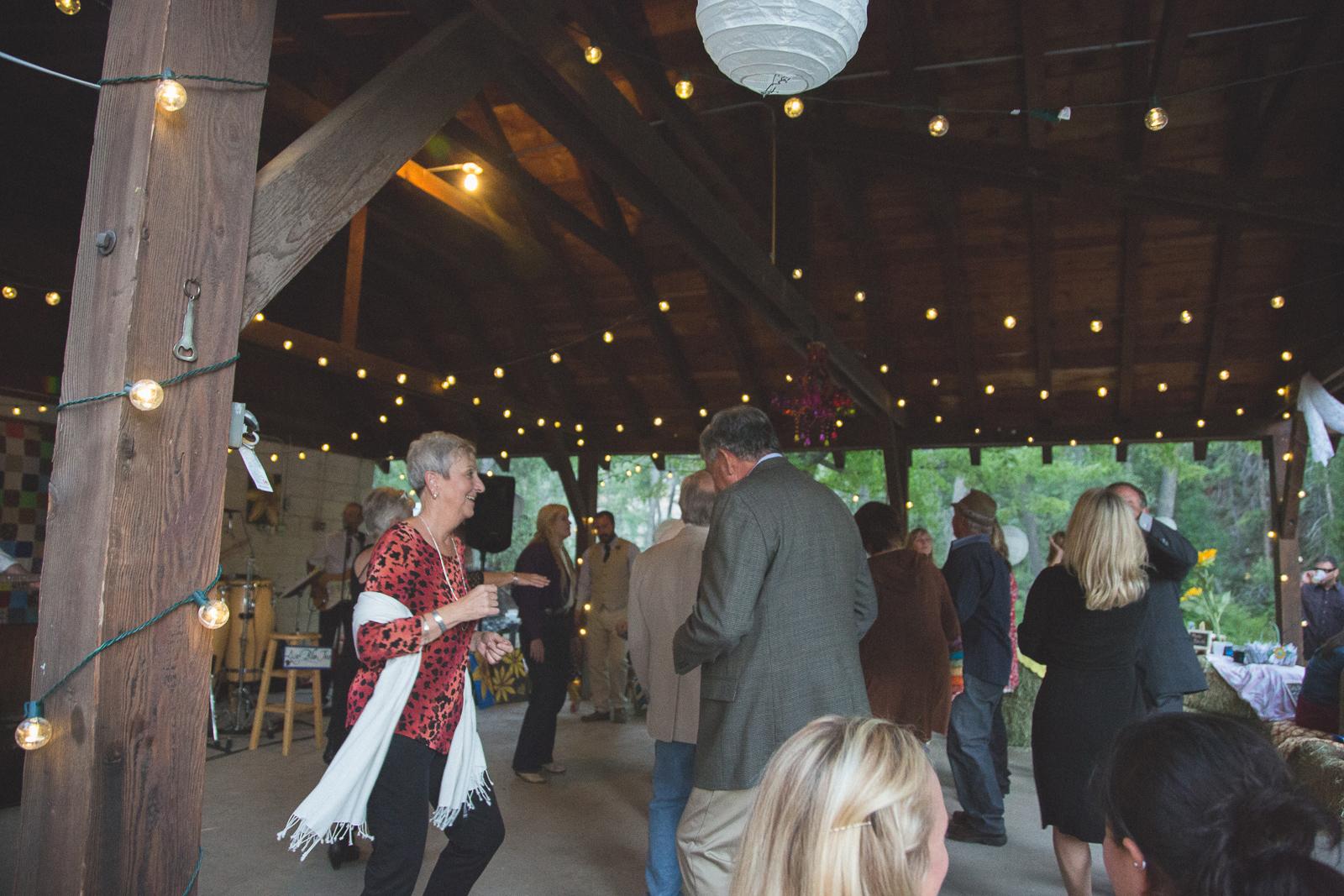 171-wedding-fun-photography-reception-unique-nature-trees-dancing