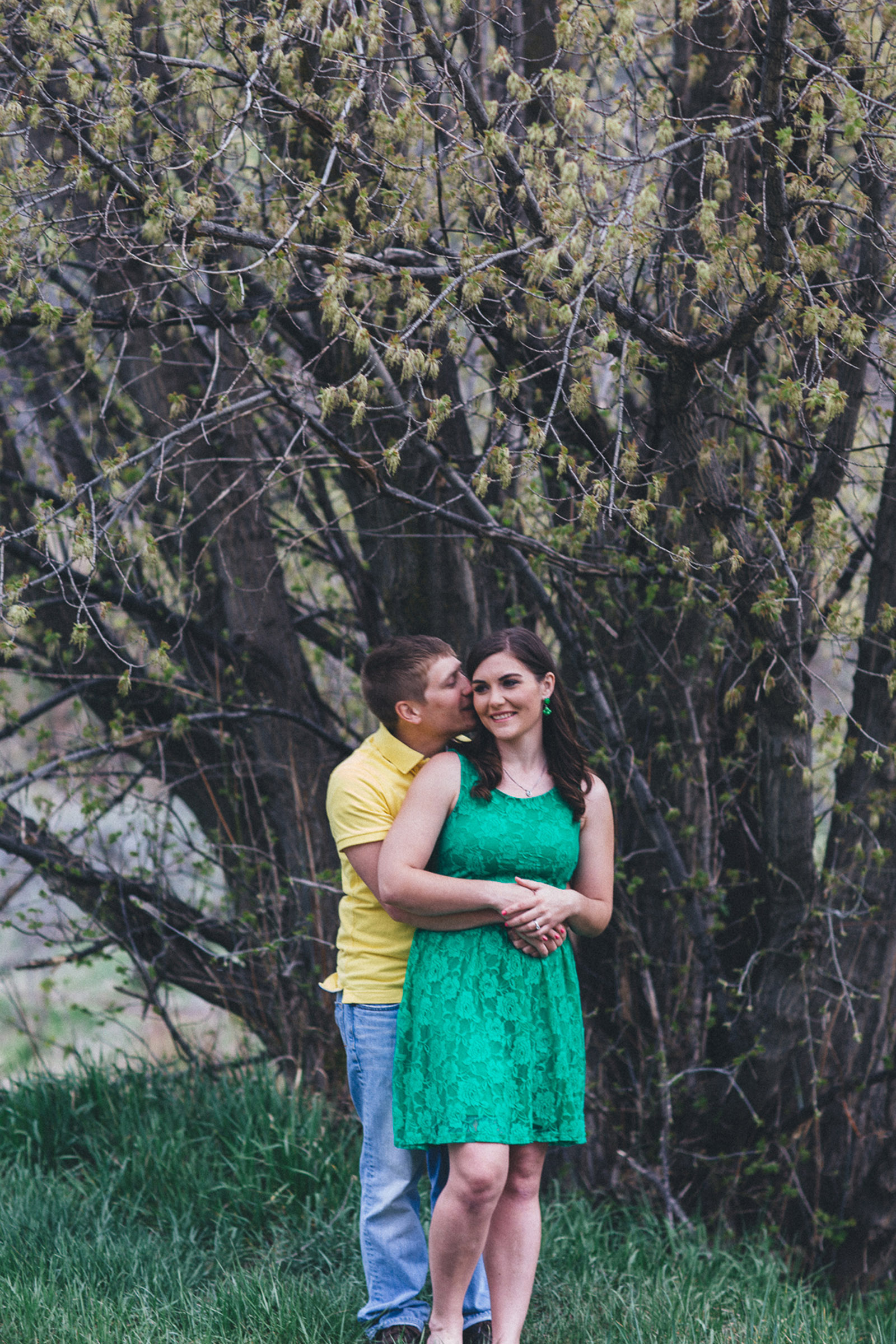 024-engagement-trees-fun-wedding-train-aughing-durango-colorado-farmington