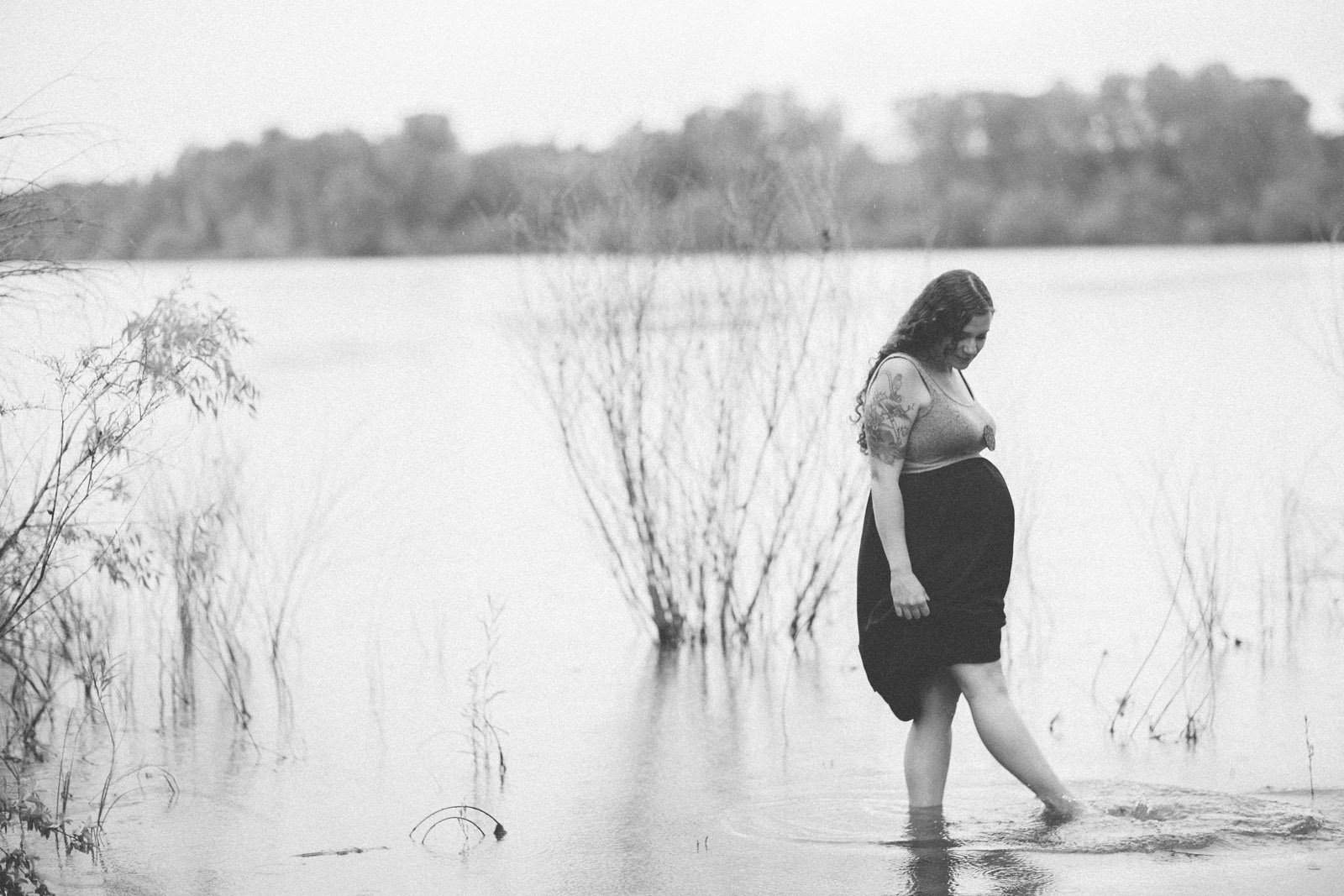 006-maternity-water-lake-branch-tree-summer-rain-woman-women-mom