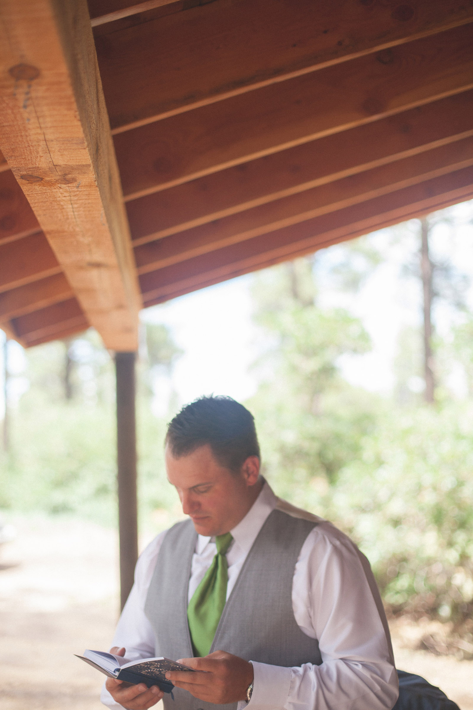 056-groom-wedding-cabin-woods-forest-pictures-photos-dress-photography-portraits