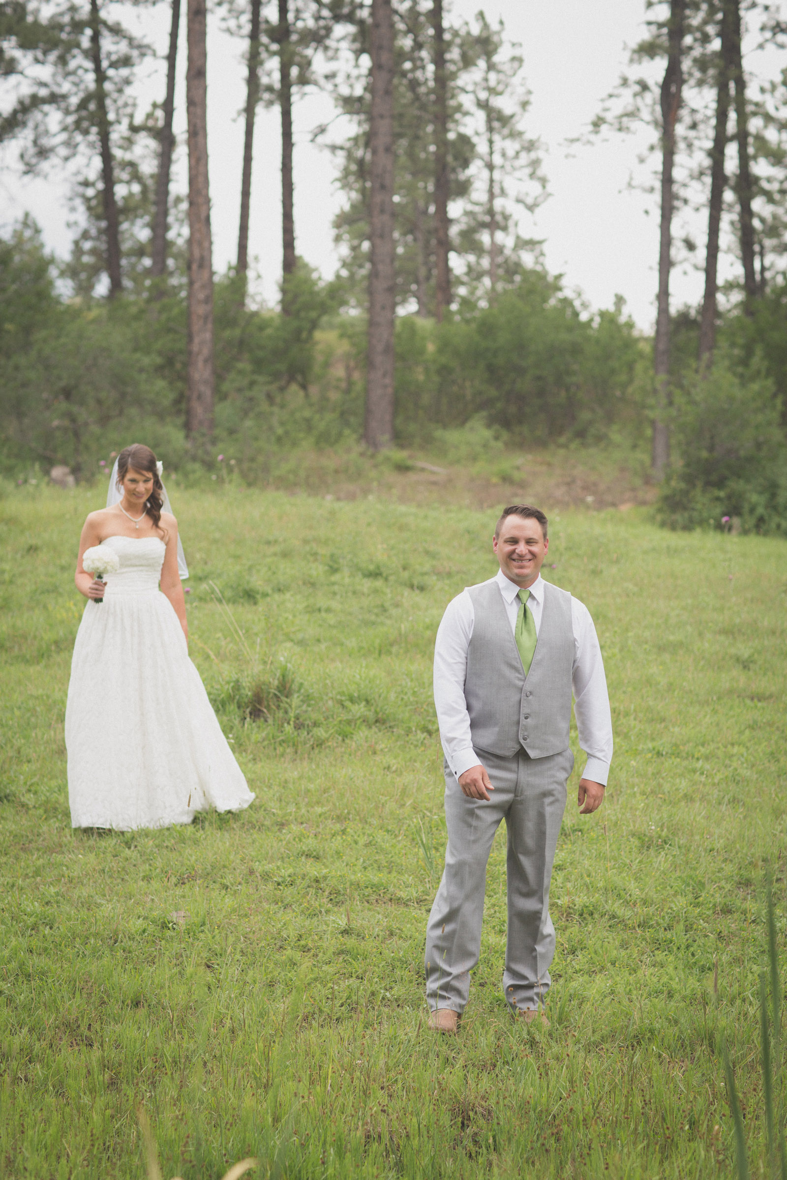 groom bride wedding cabin woods forest pictures photos dress photography portraits first look firstlook reveal happy farmington aztec durango mancos co nm