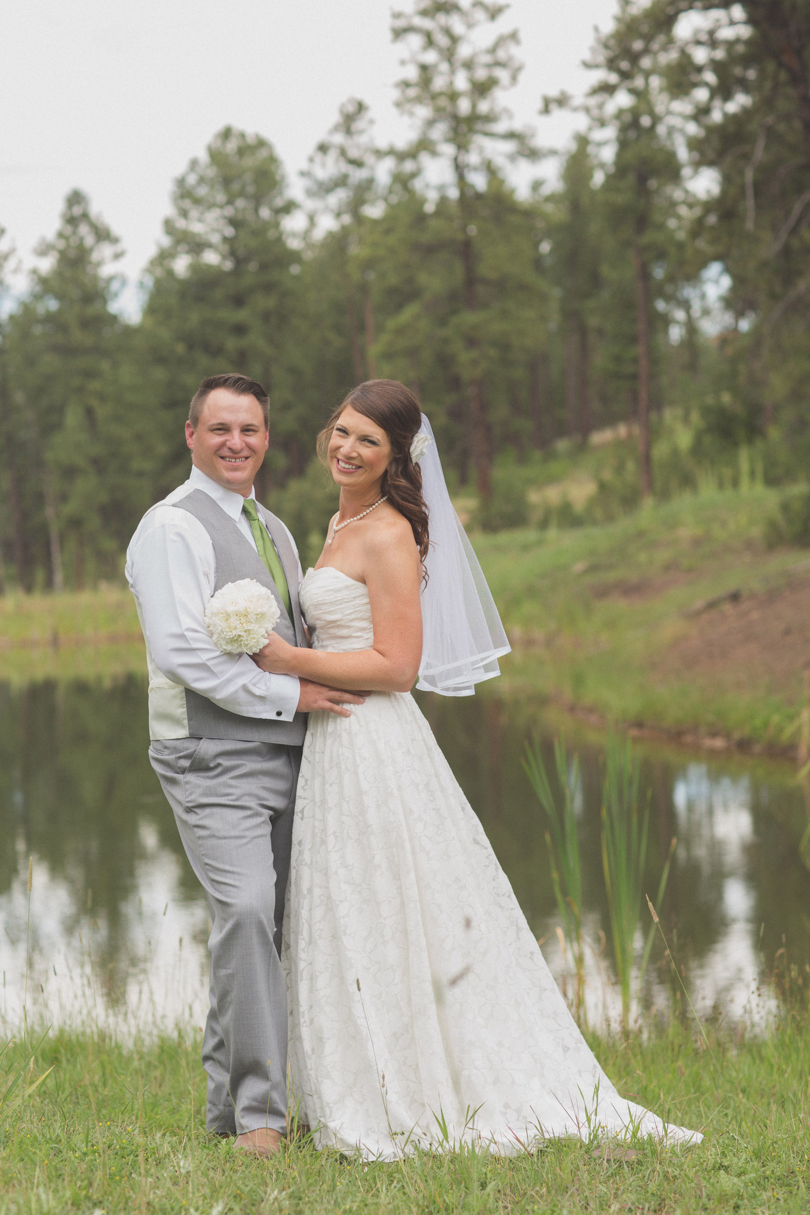 076-lake-trees-groom-bride-wedding-cabin-woods-forest-pictures-photos-dress-photography-portraits-first-look-firstlook-reveal-happy-farmington-aztec-durango-mancos-co-nm