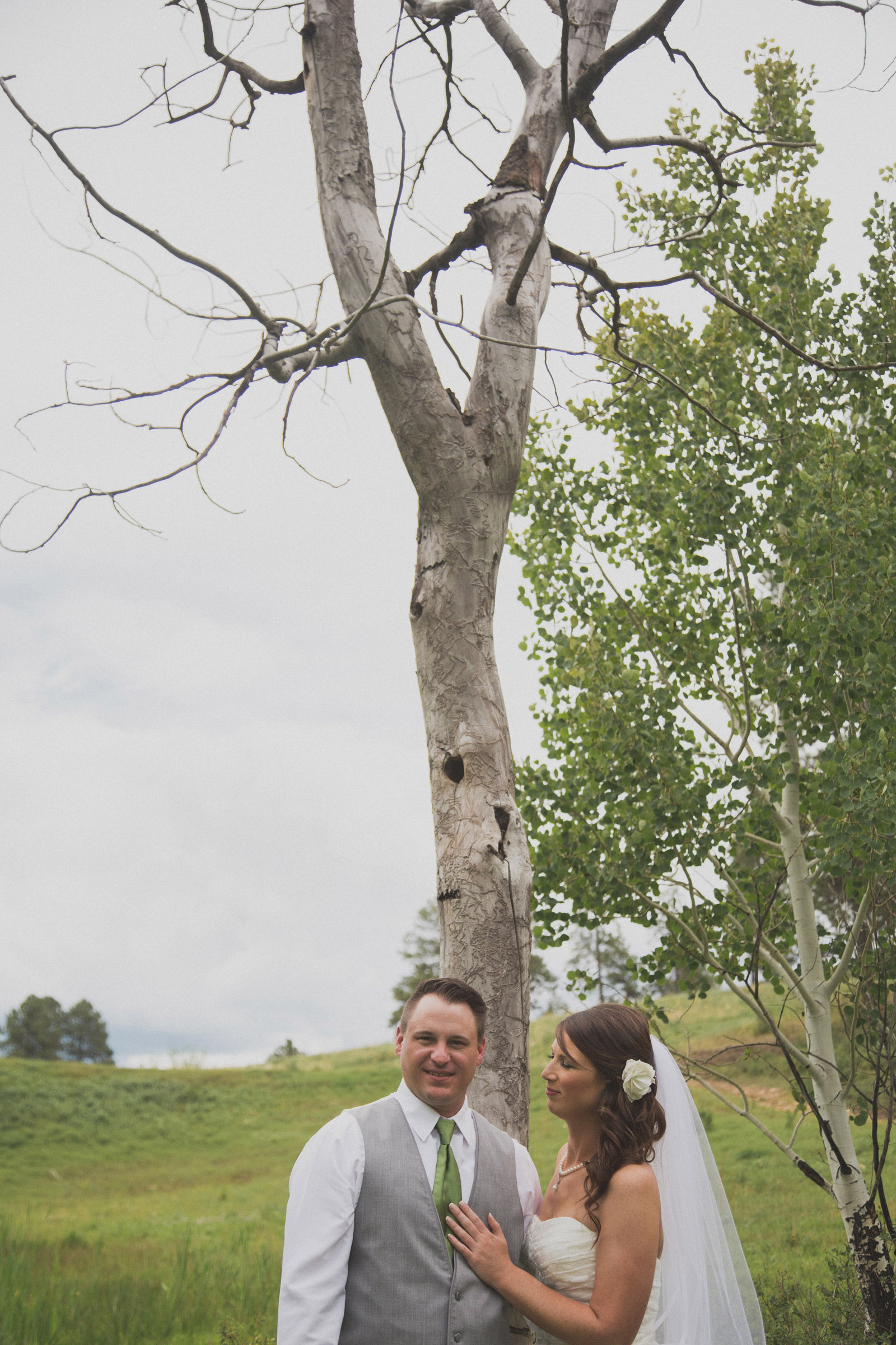 081-lake-trees-groom-bride-wedding-cabin-woods-forest-pictures-photos-dress-photography-portraits-first-look-firstlook-reveal-happy-farmington-aztec-durango-mancos-co-nm