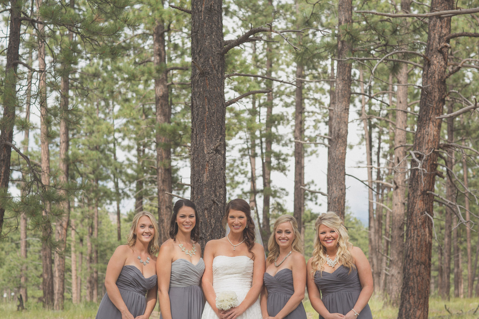 093-groom-wedding-cabin-woods-forest-pictures-photos-dress-photography-portraits-wedding-party-party