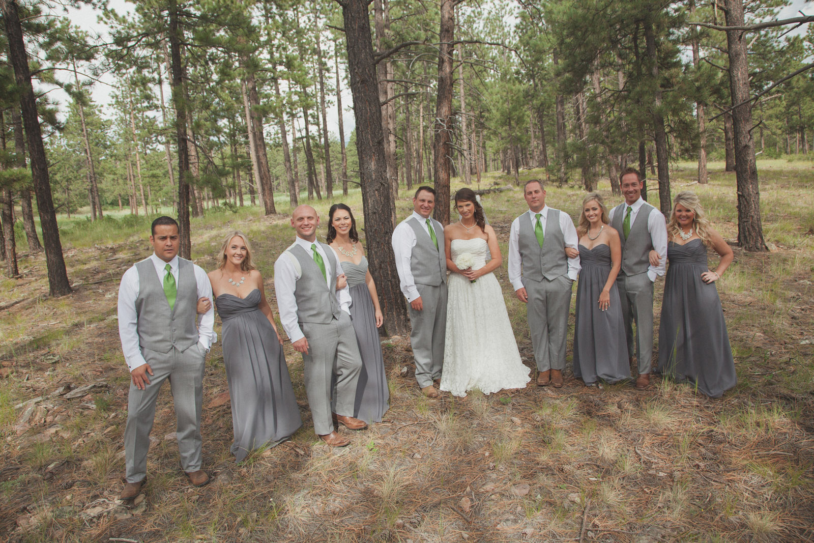 096-groom-wedding-cabin-woods-forest-pictures-photos-dress-photography-portraits-wedding-party-party