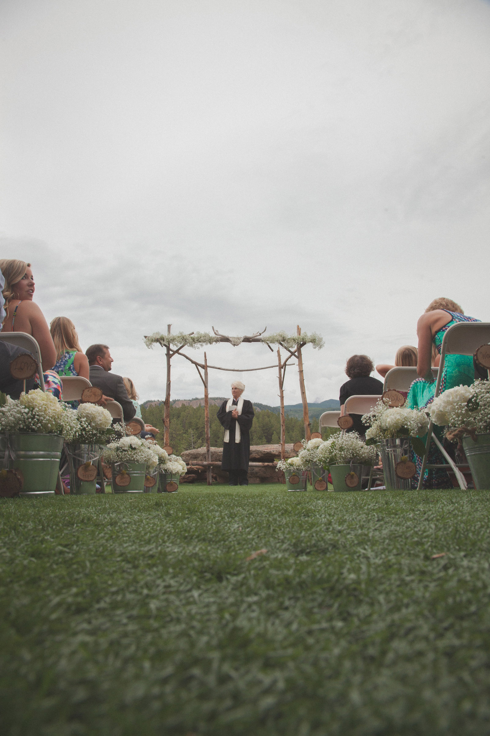 118-wedding-ideas-ideas-wedding-forest-mason-jars-backdrop-colorado-mancos-ceremony
