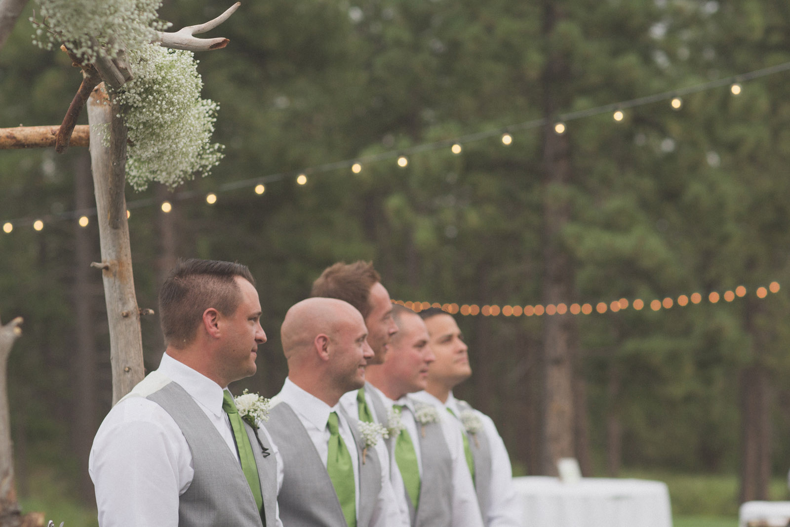 119-wedding-ideas-ideas-wedding-forest-mason-jars-backdrop-colorado-mancos-ceremony