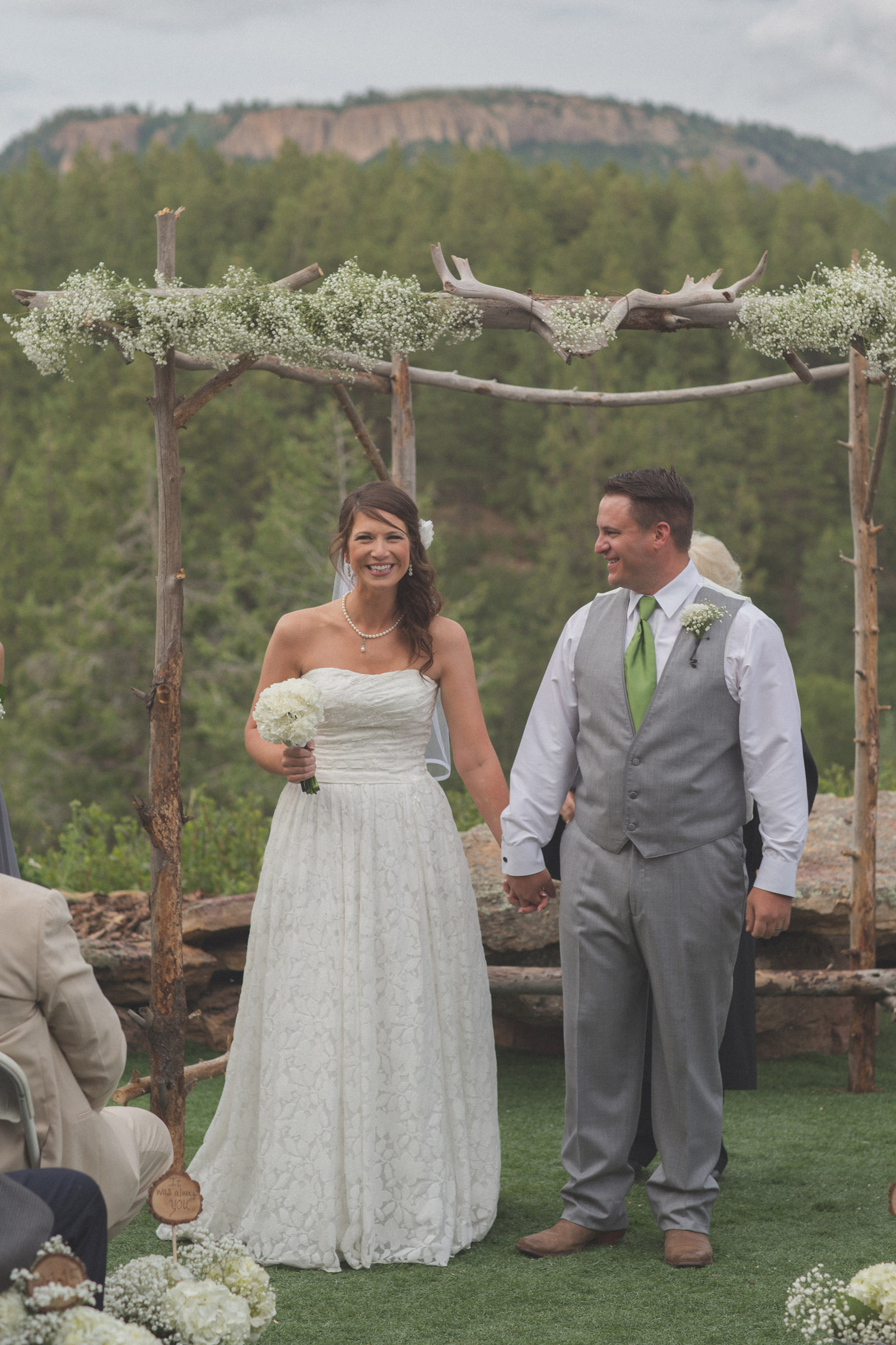 144-wedding-ideas-ideas-wedding-forest-mason-jars-backdrop-colorado-mancos-ceremony-vows
