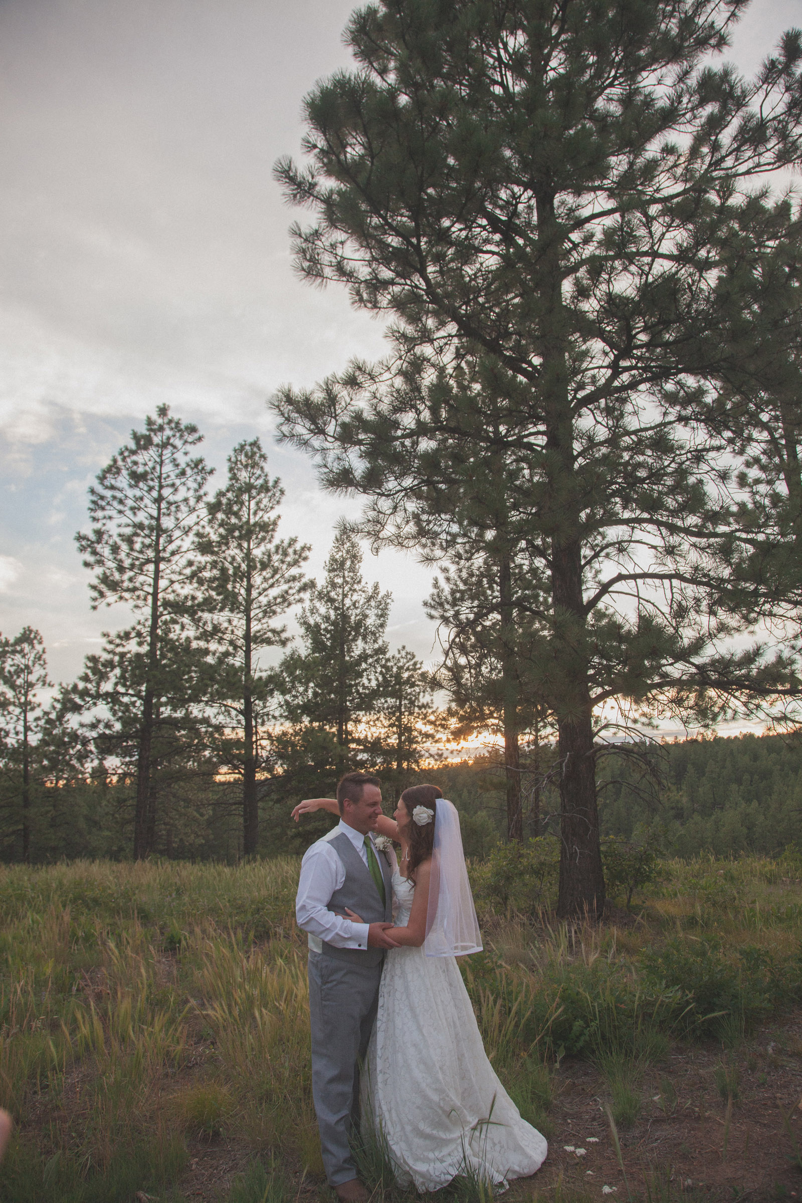 forest bride trees sunset wedding photographers in farmington nm 4