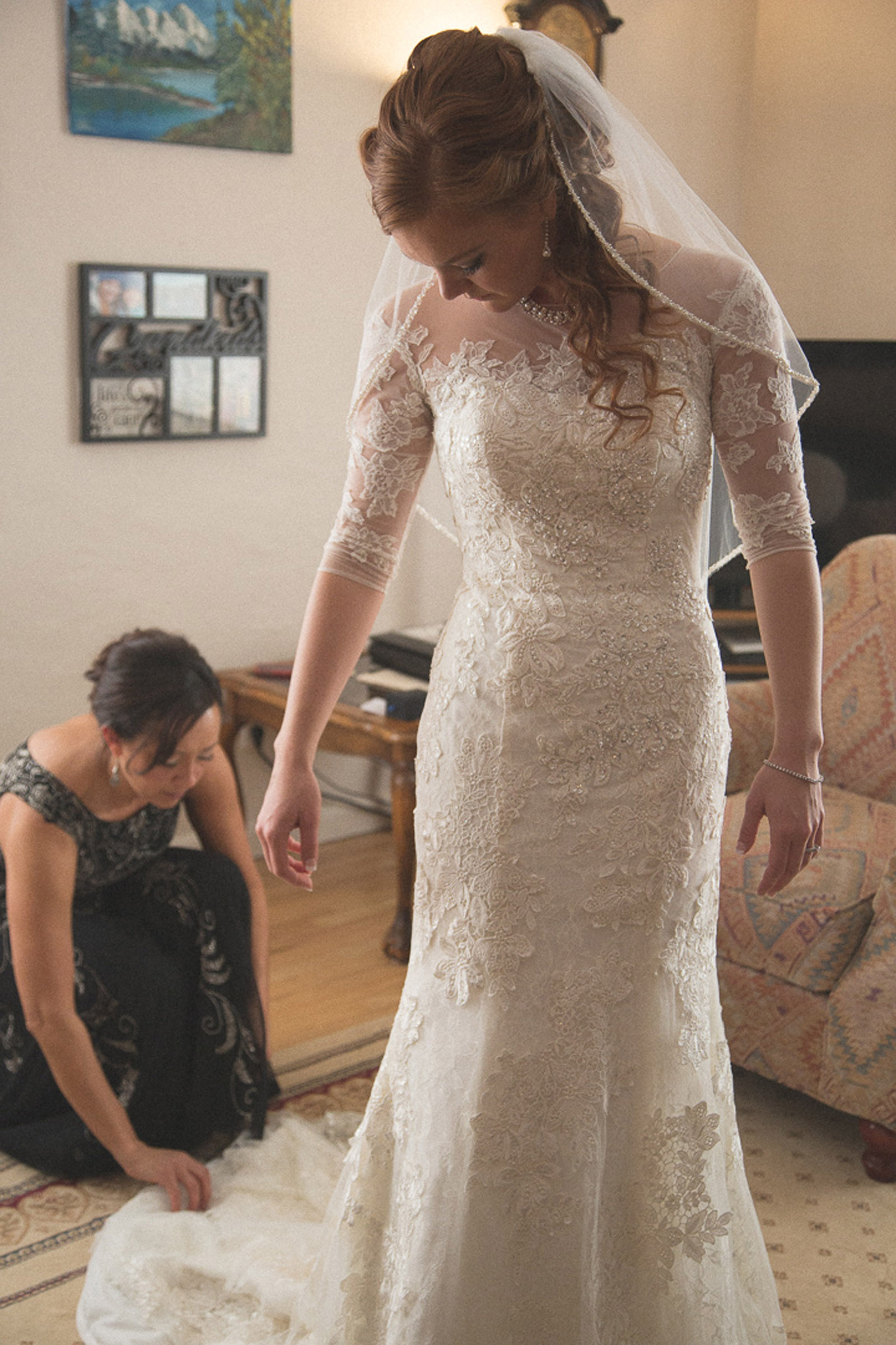 062-getting-ready-with-wedding-dress-first-look-with-daddy-mirabal-photography