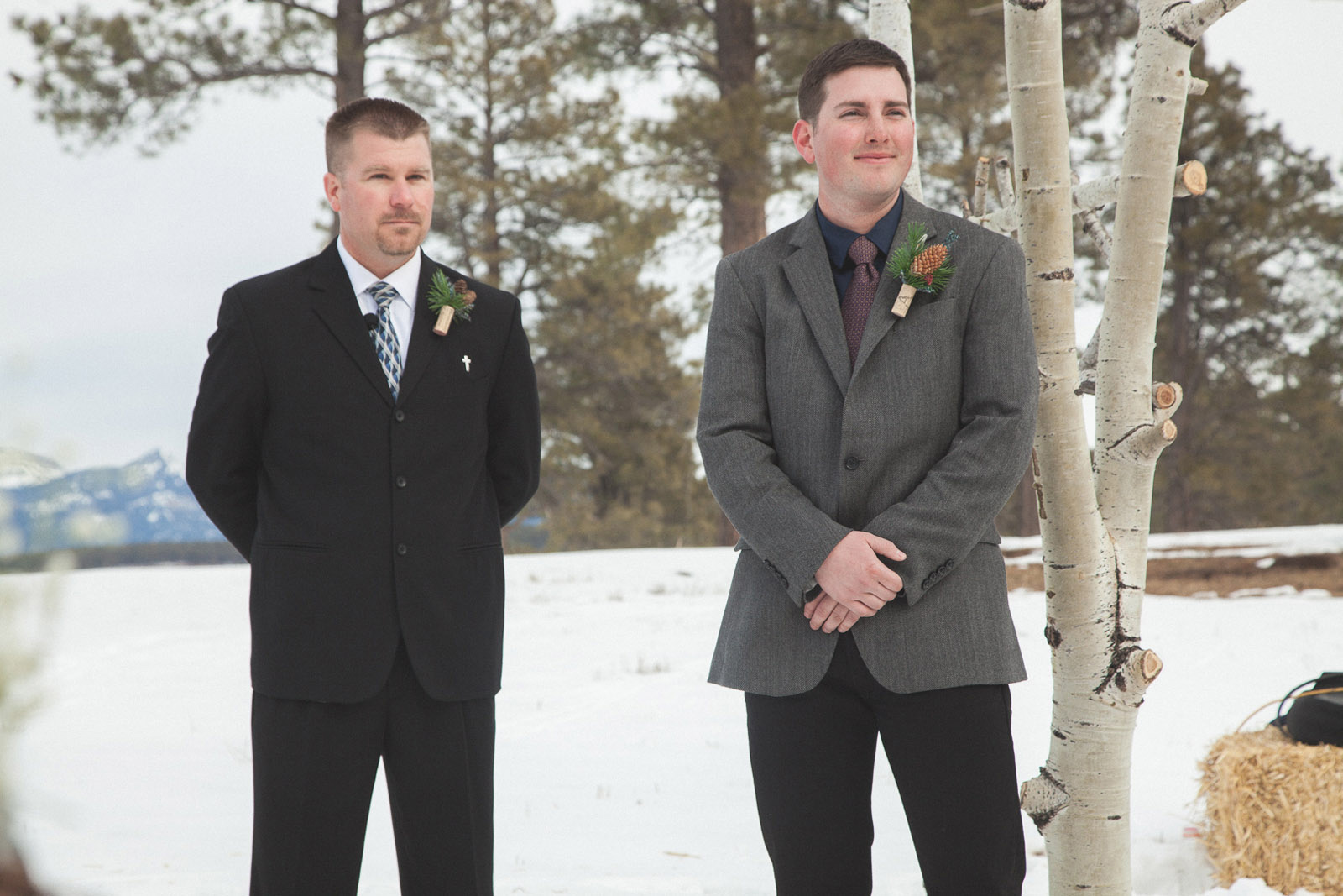 082-wedding-ceremony-in-pagosa-springs-wedding-photographer-snow-winter-wedding
