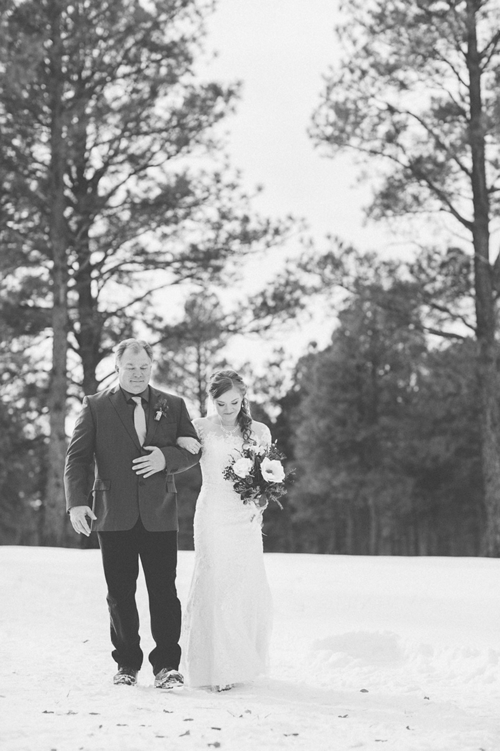 090-wedding-ceremony-in-pagosa-springs-wedding-photographer-snow-winter-wedding