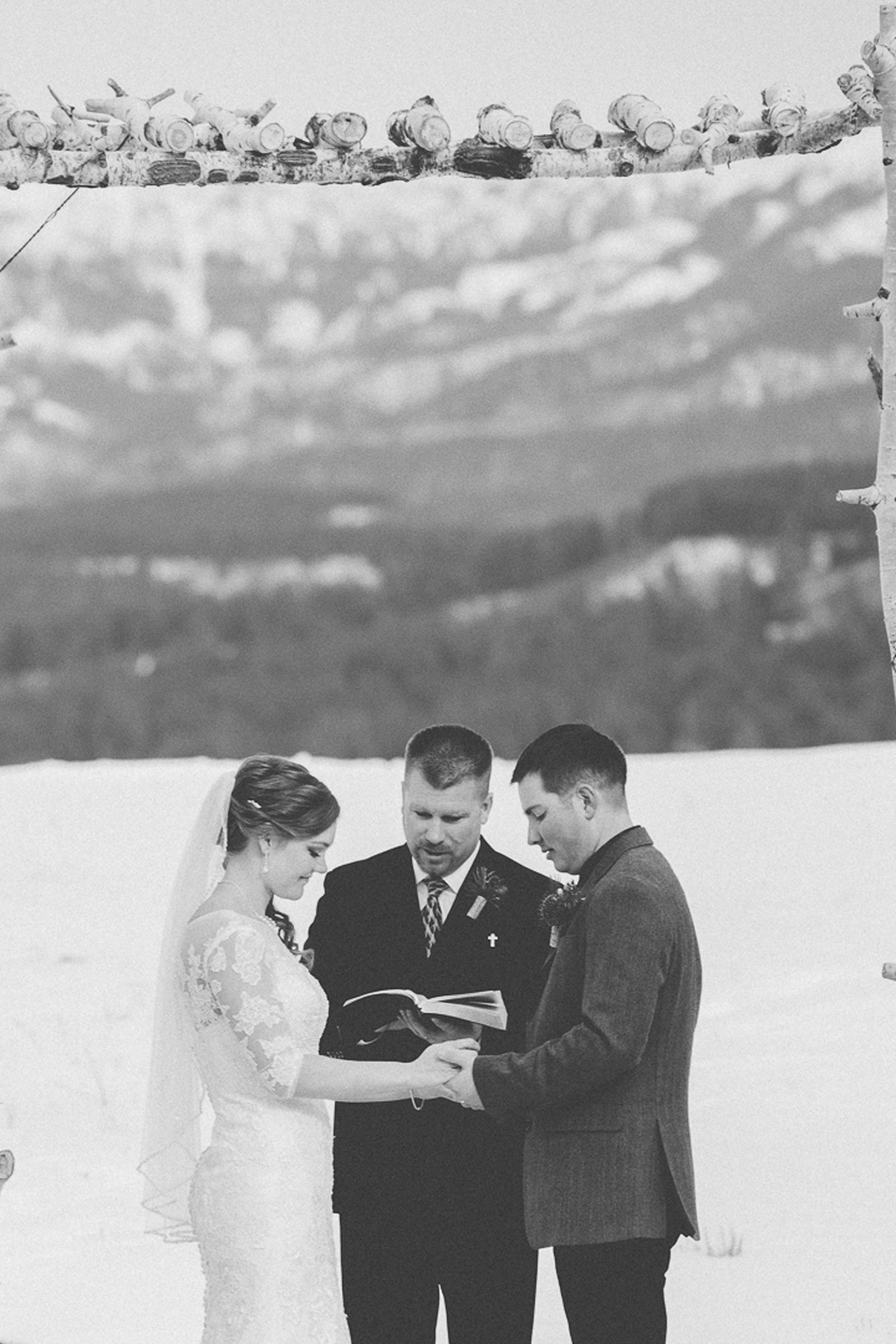 105-wedding-ceremony-in-pagosa-springs-wedding-photographer-snow-winter-wedding