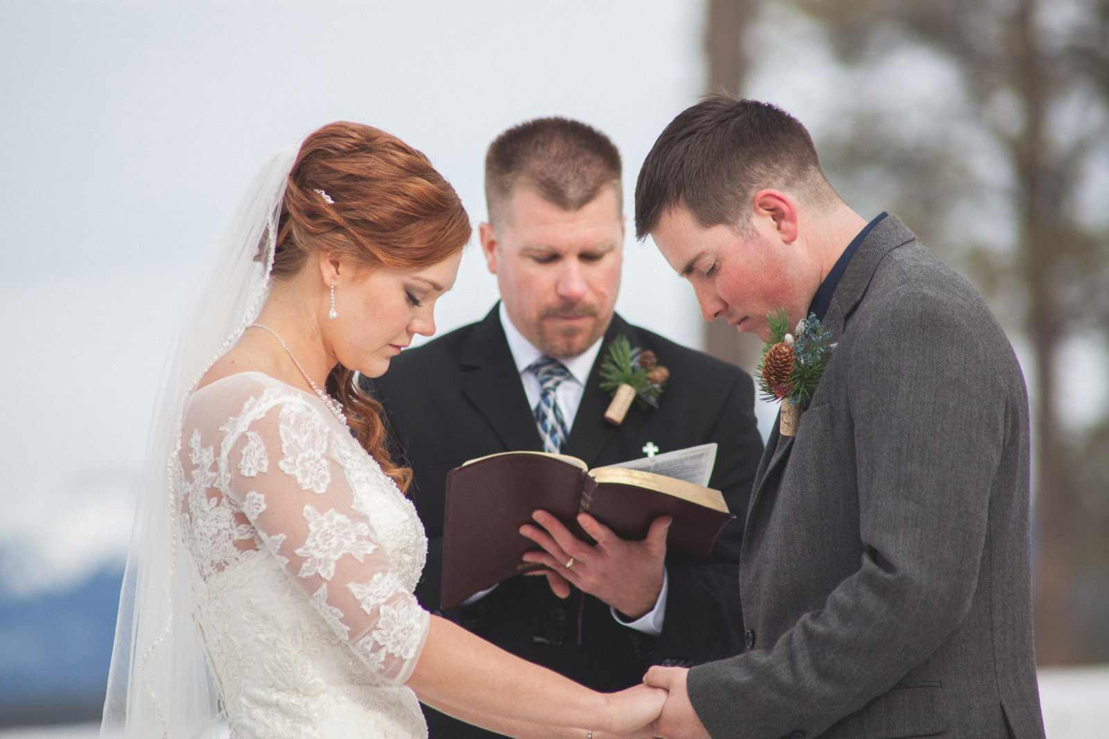 107-wedding-ceremony-in-pagosa-springs-wedding-photographer-snow-winter-wedding