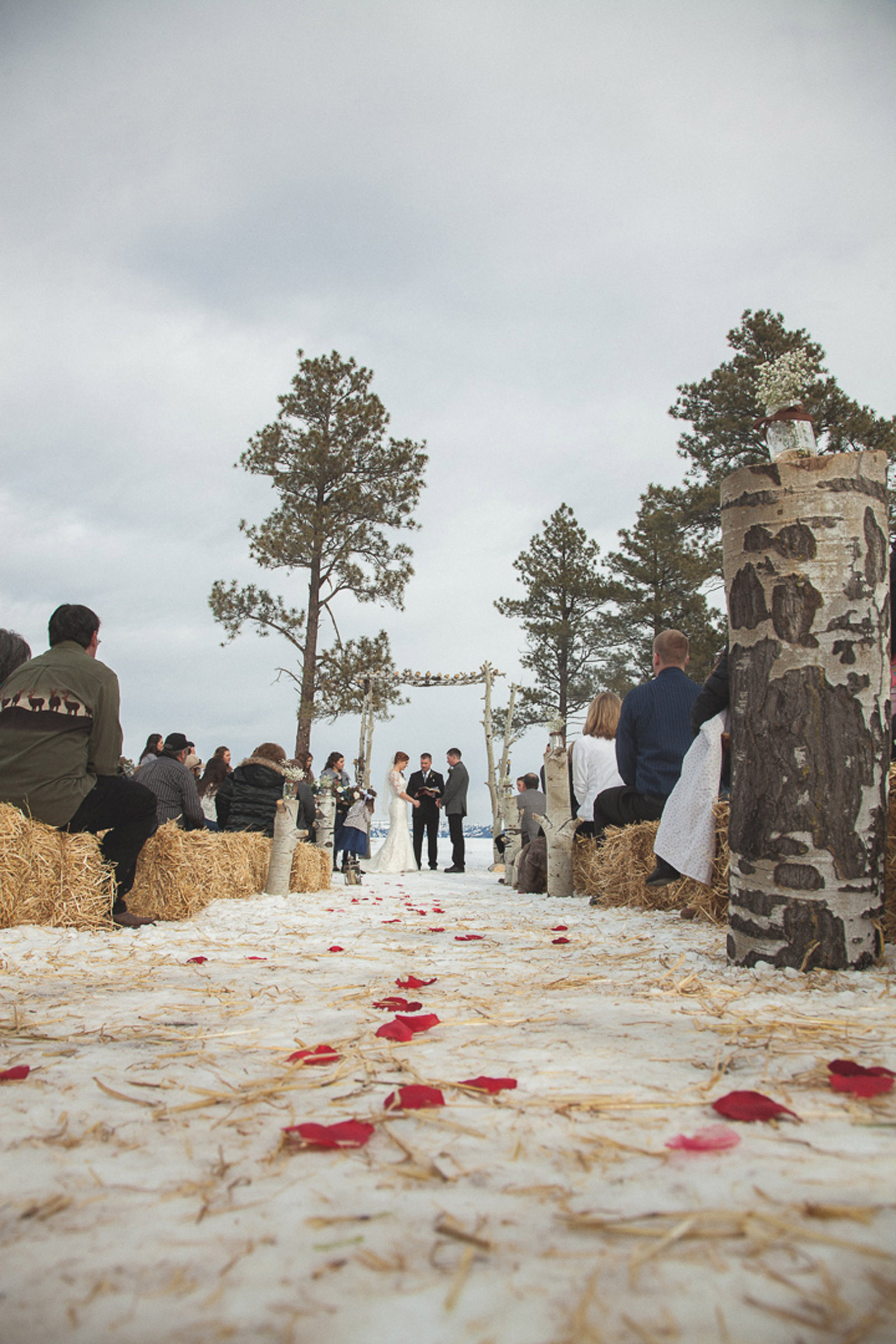 109-wedding-ceremony-in-pagosa-springs-wedding-photographer-snow-winter-wedding