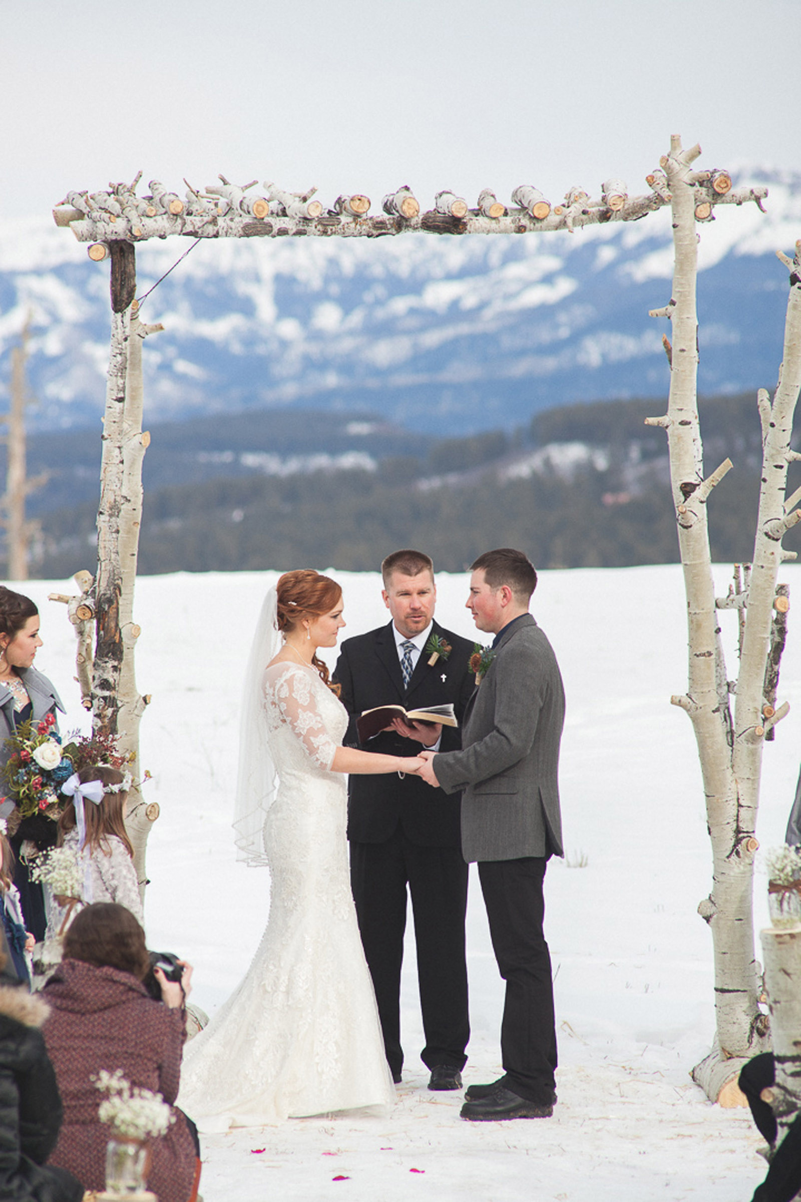 114-wedding-ceremony-in-pagosa-springs-wedding-photographer-snow-winter-wedding