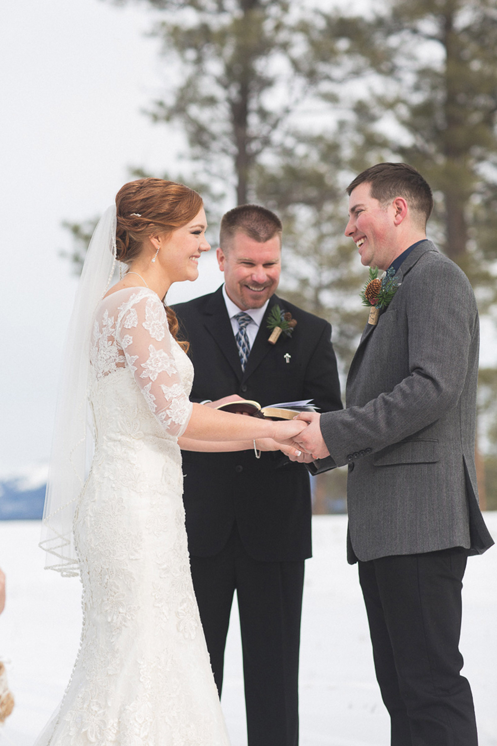 118-wedding-ceremony-in-pagosa-springs-wedding-photographer-snow-winter-wedding