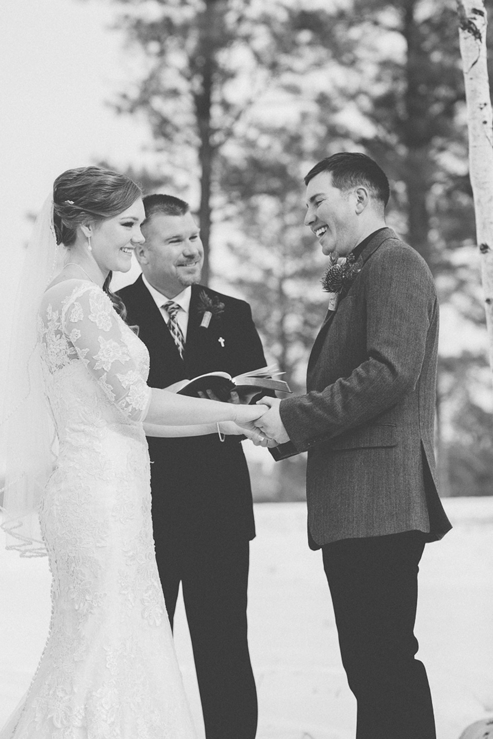 119-wedding-ceremony-in-pagosa-springs-wedding-photographer-snow-winter-wedding