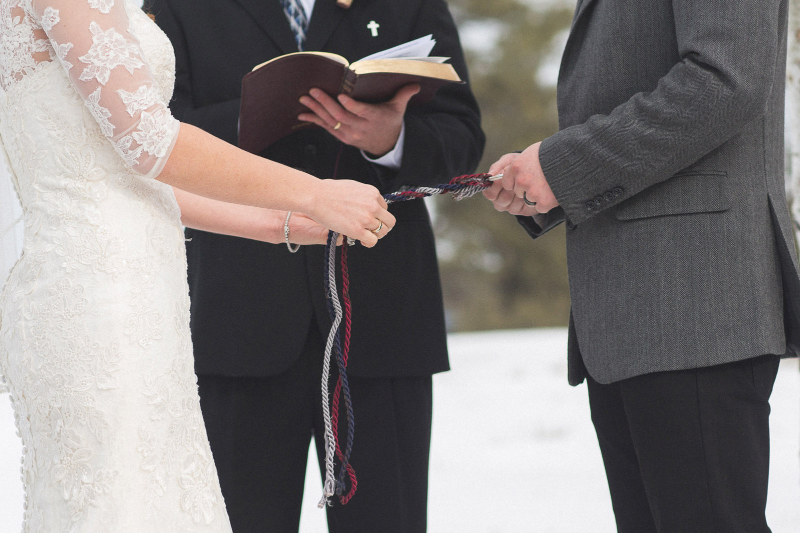 122-wedding-ceremony-in-pagosa-springs-wedding-photographer-snow-winter-wedding