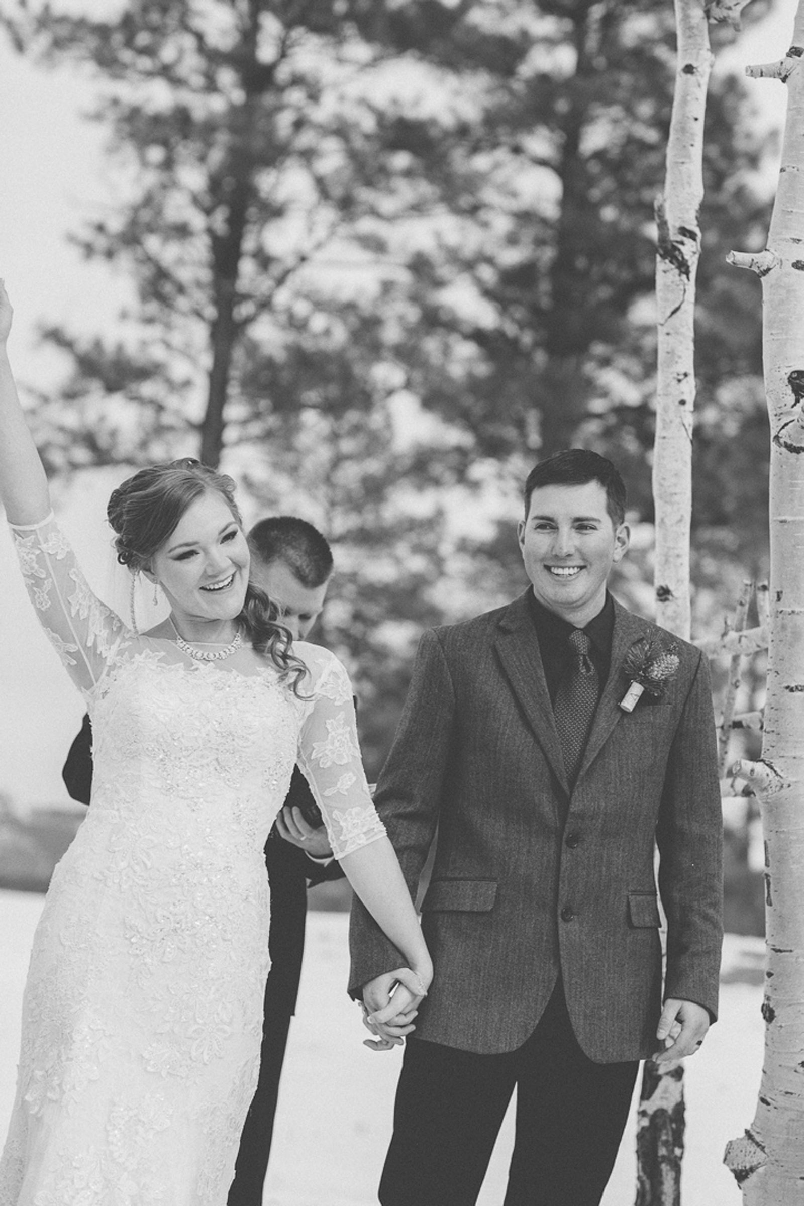 127-wedding-ceremony-in-pagosa-springs-wedding-photographer-snow-winter-wedding