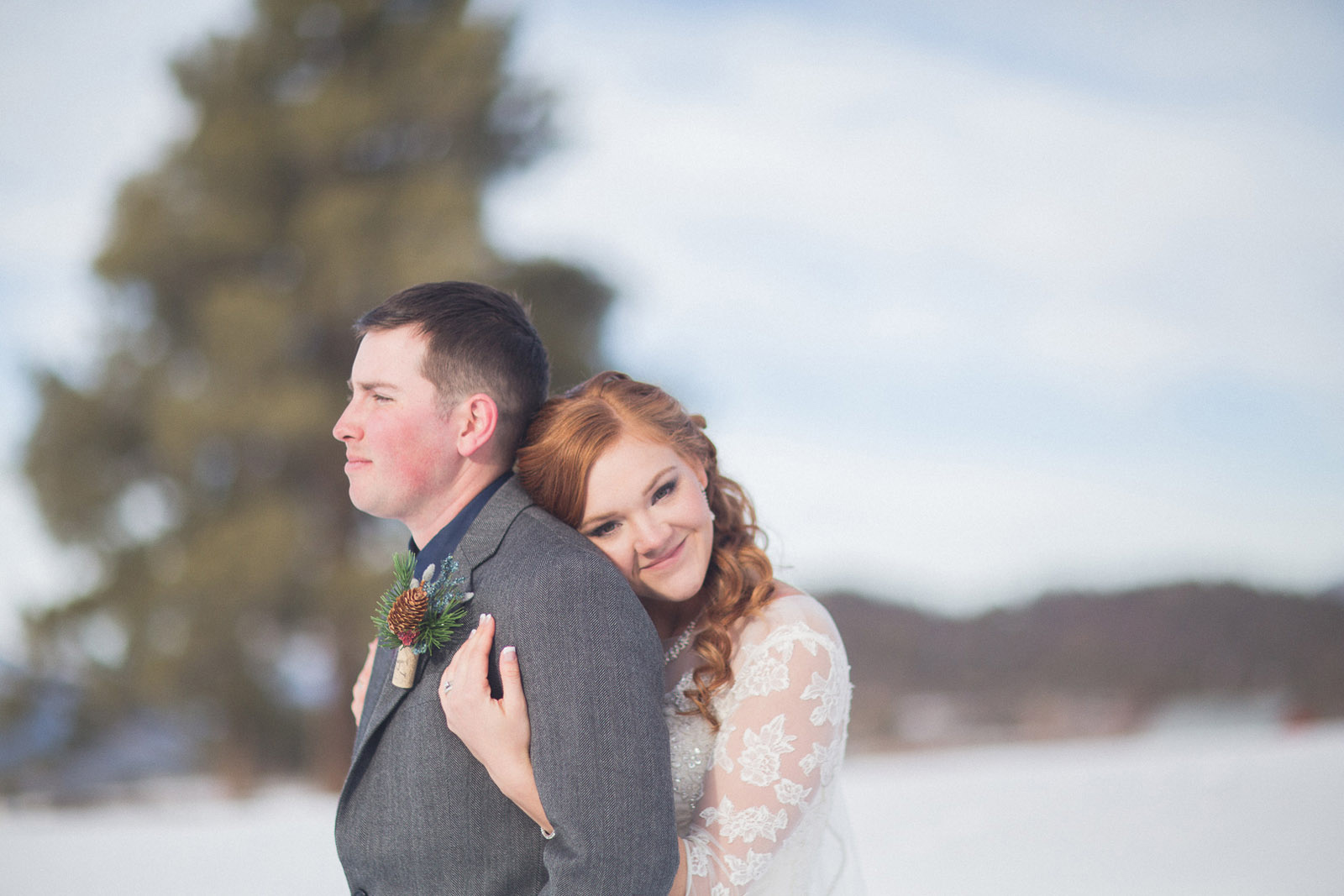 140-wedding-photographer-captures-newlyweds-in-snow-during-a-winter-snow-wedding-in-the-mountains-in-colorado