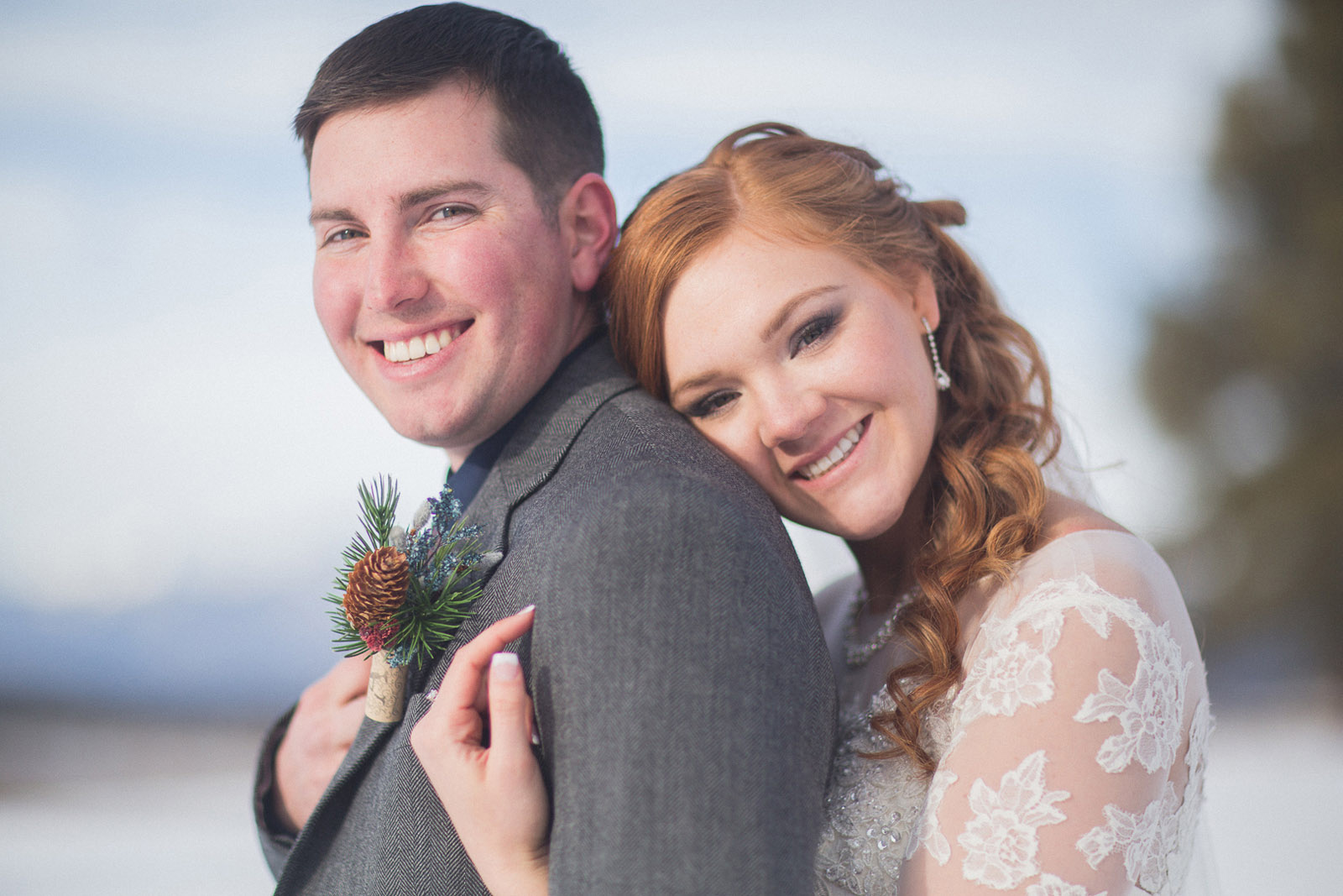 142-wedding-photographer-captures-newlyweds-in-snow-during-a-winter-snow-wedding-in-the-mountains-in-colorado