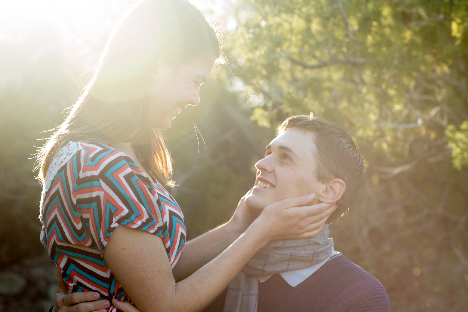 engagement photographer takes nm sun sert photos