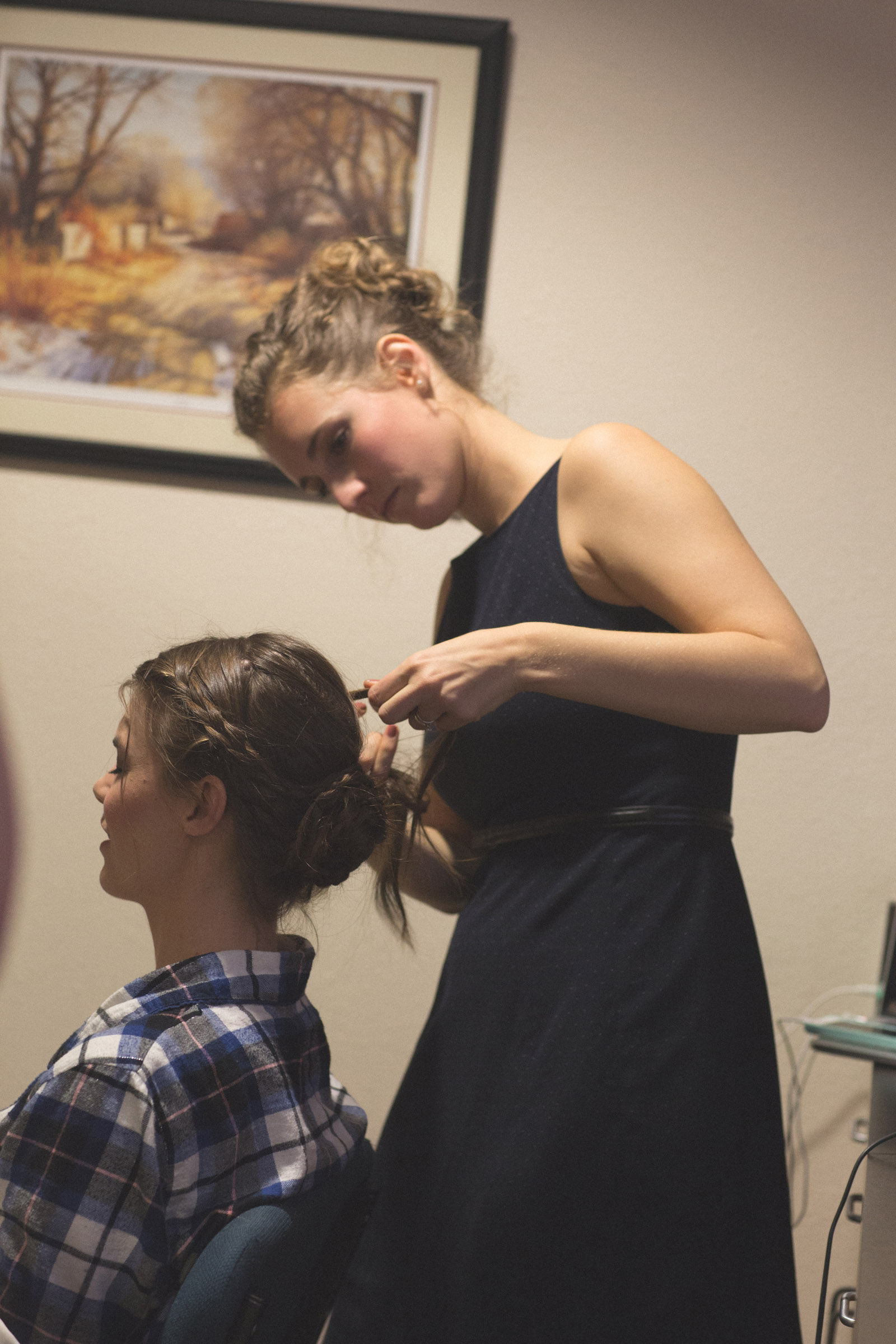 003-wedding-hair-preparation-in-new-mexico