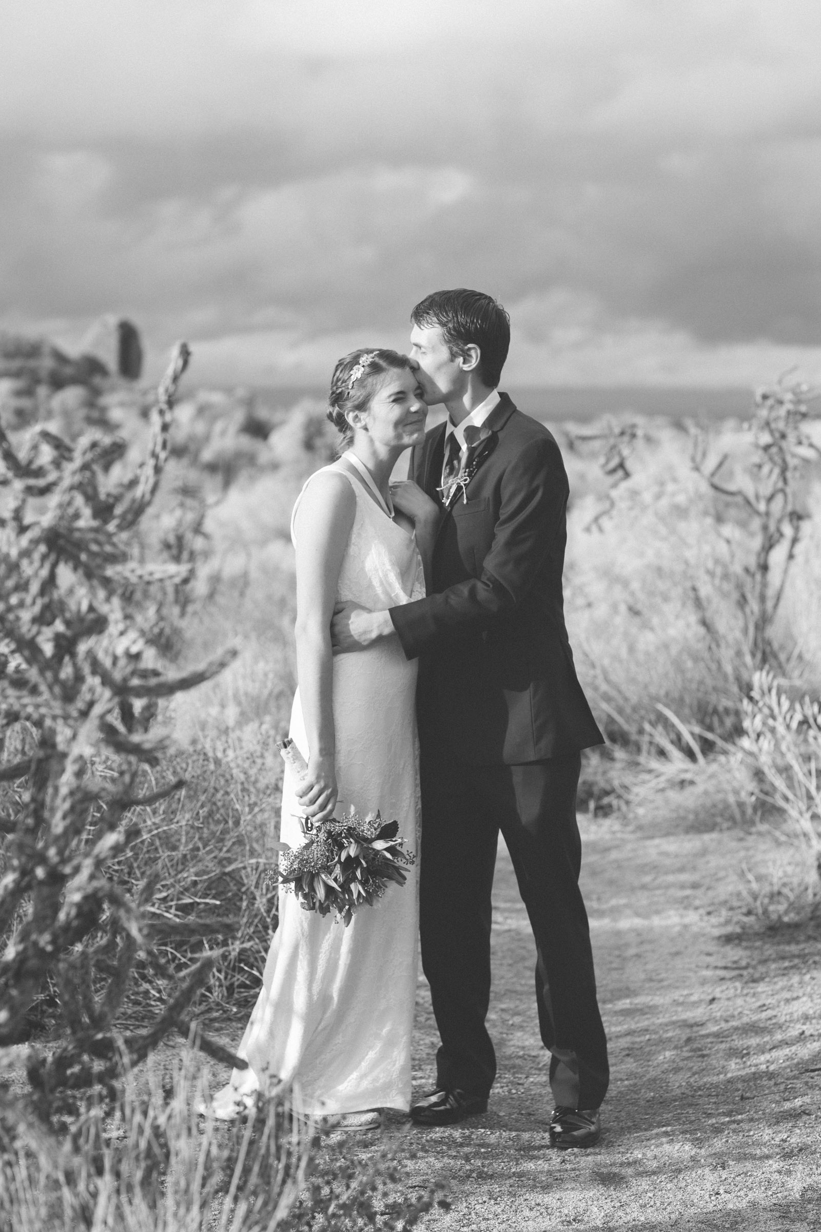 129-bride-and-groom-photos-capture-lifestyle-photography-in-sandia-mountains