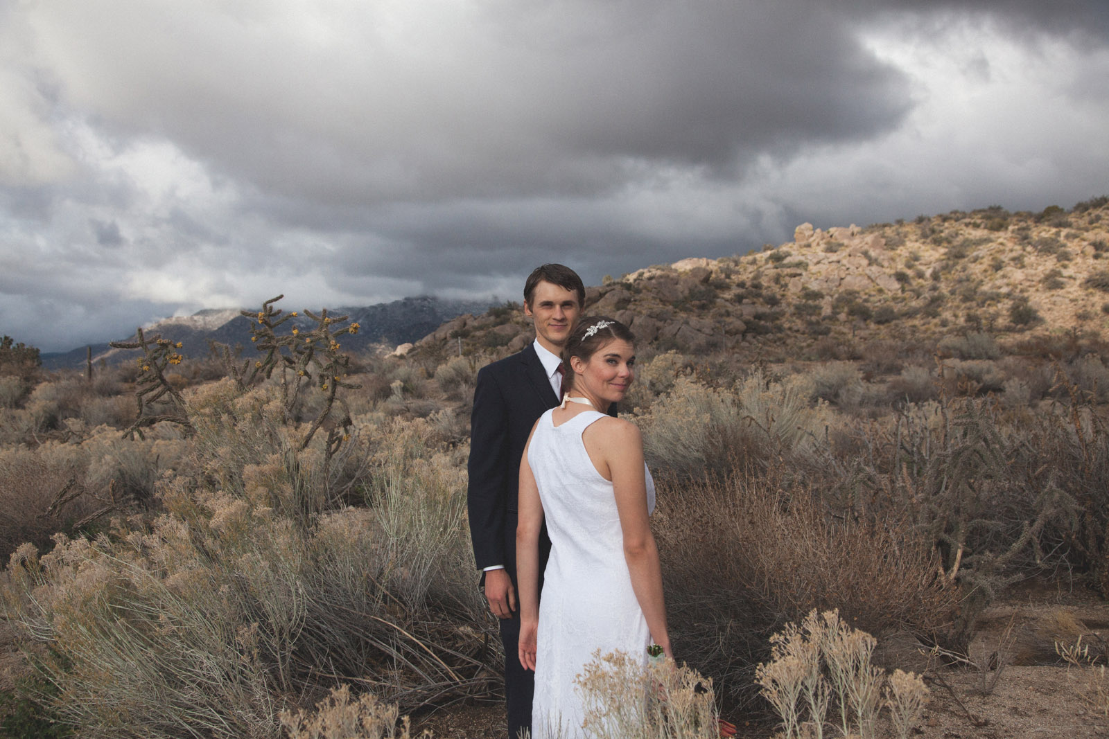 136-bride-and-groom-photos-capture-lifestyle-photography-in-sandia-mountains