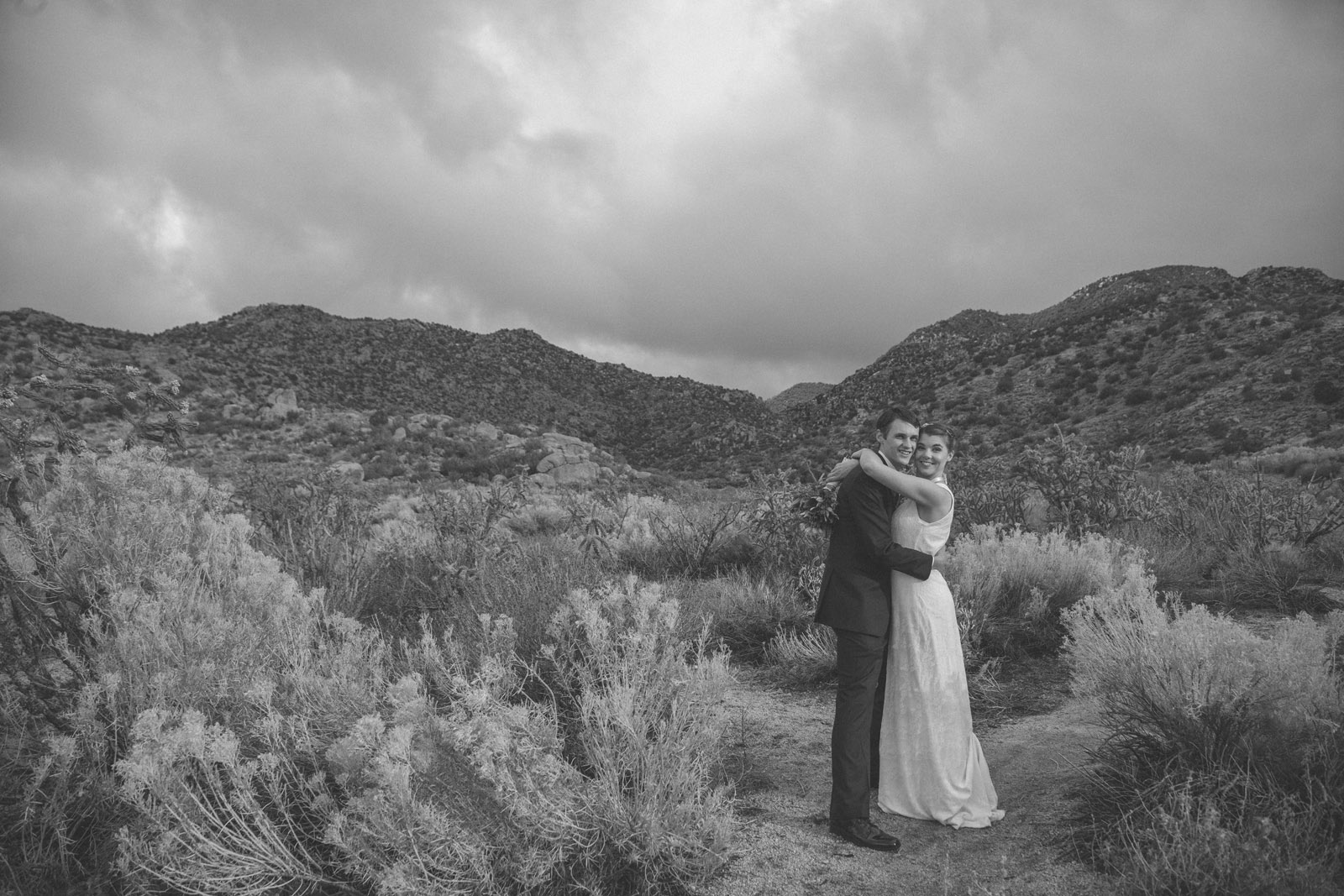 138-bride-and-groom-photos-capture-lifestyle-photography-in-sandia-mountains