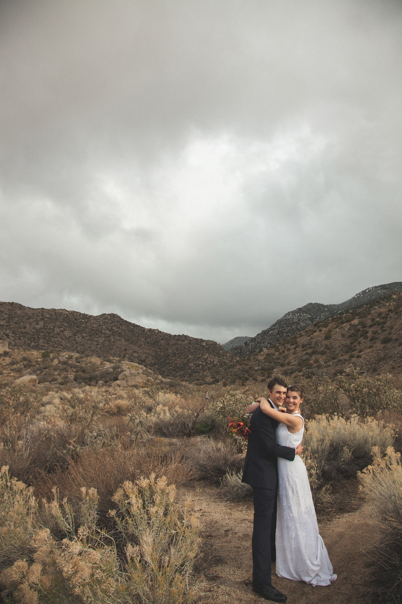 139-bride-and-groom-photos-capture-lifestyle-photography-in-sandia-mountains