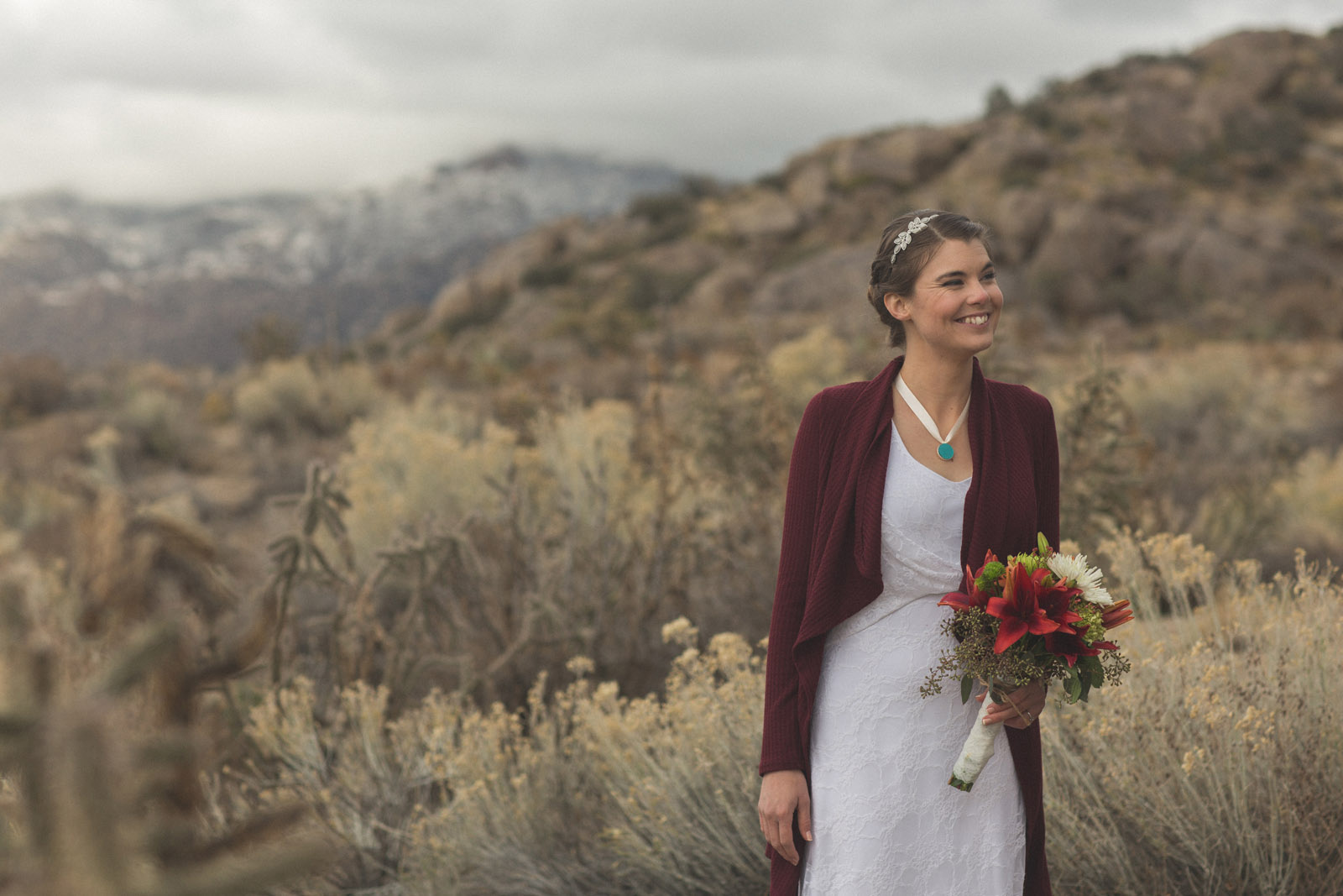 148-bride-captured-in-mountains-by-photographers-in-new-mexico-near-deserts